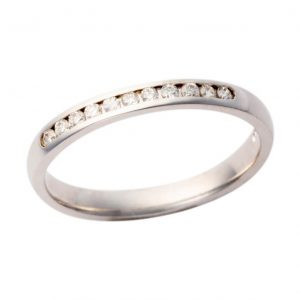 18ct White Gold Channel Set Band 200 W